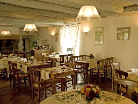 """Restaurant """"La Bougnate"""" à Blesle en Haute-Loire"""