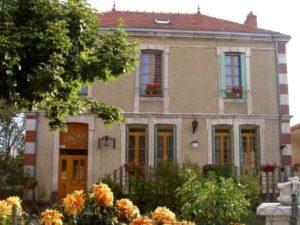 Chambres d'hôtes à Bournoncle Saint Pierre : L'Oustal