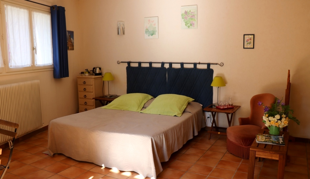 Pervenche : une des chambres d'hôtes de La Béalière en Auvergne